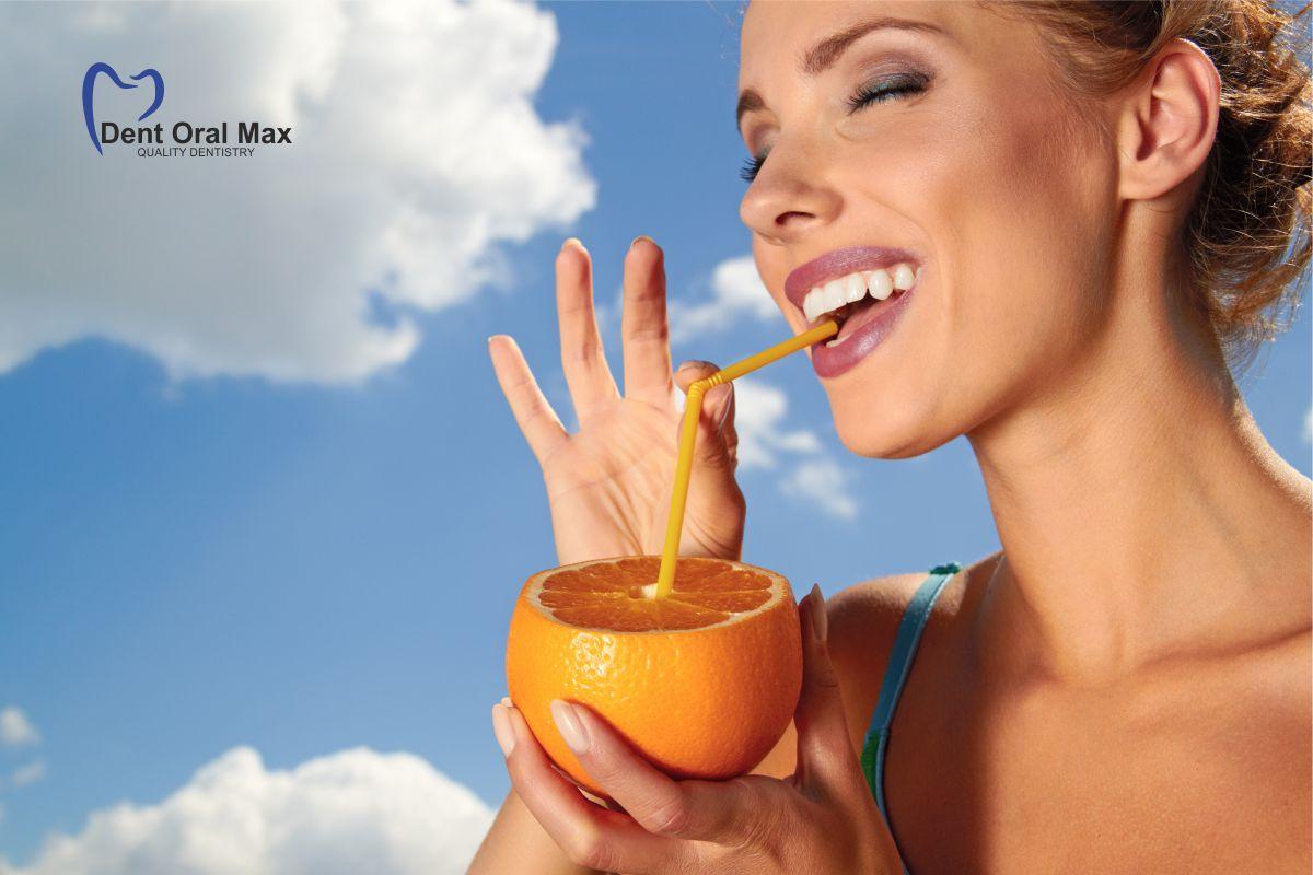 Femeia cu portocala